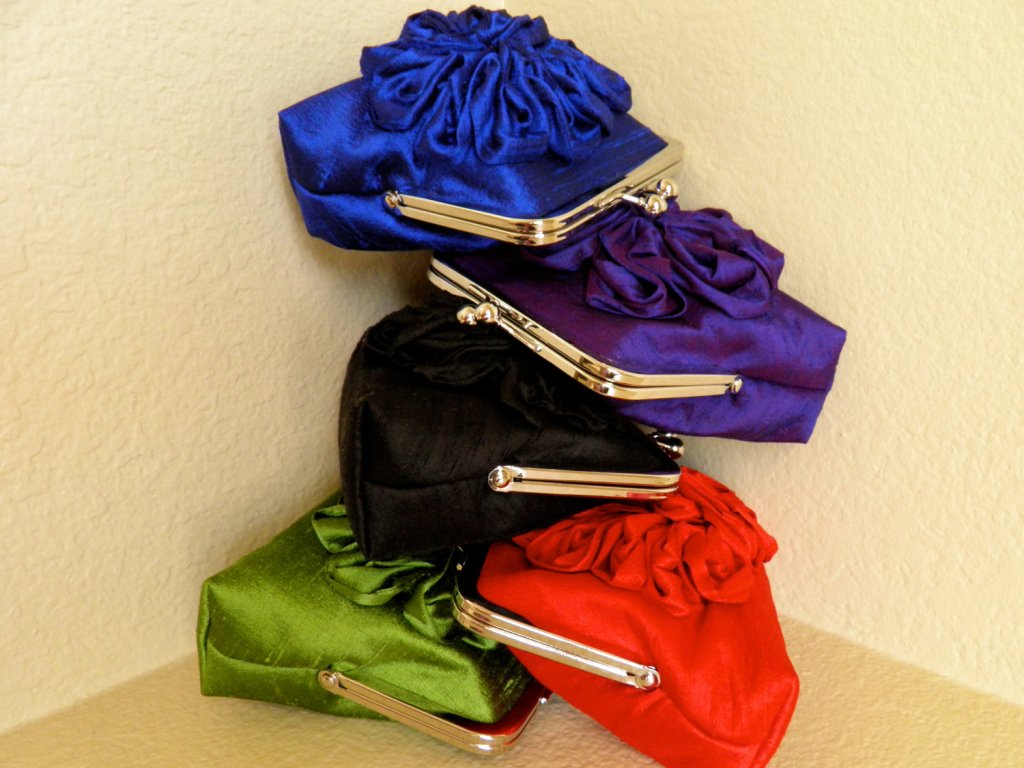 The dupioni silk clutches come in many colors!