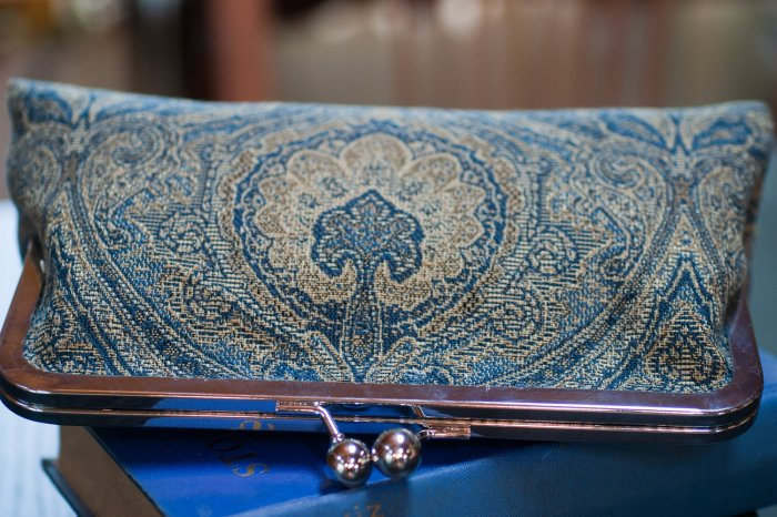 Gorgeous, rich colors on this Baguette Clutch(TM).
