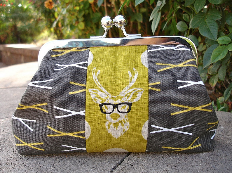 I absolutely love Elaine's Oh Deer pouch #2.  How darling is this??