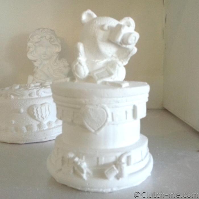 paint figurine bear camera